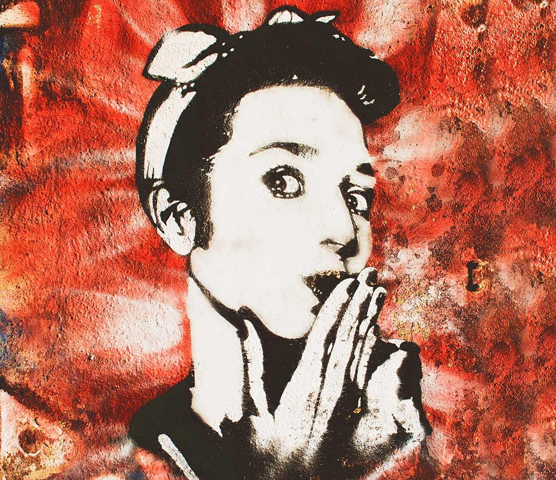 dibujo de una mujer estampado en tela