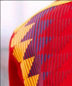 Polémica por el color morado o azul de la camiseta de la Selección Española - Minutoprint