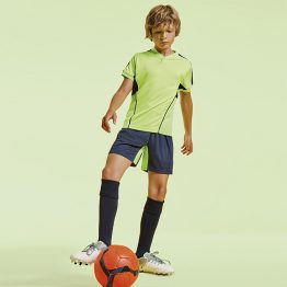 Conjunto deportivo niño