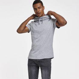 Camiseta cuello chimenea hombre